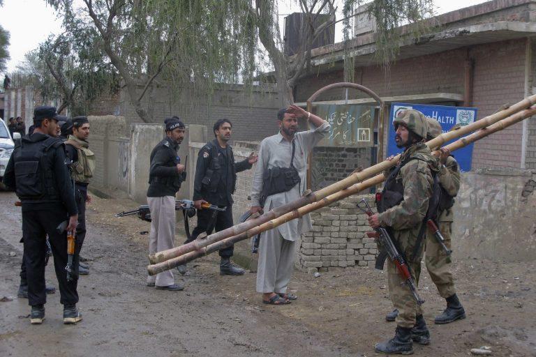 Πακιστάν: Αιματηρά επεισόδια με 13 νεκρούς και δεκάδες τραυματίες | Newsit.gr