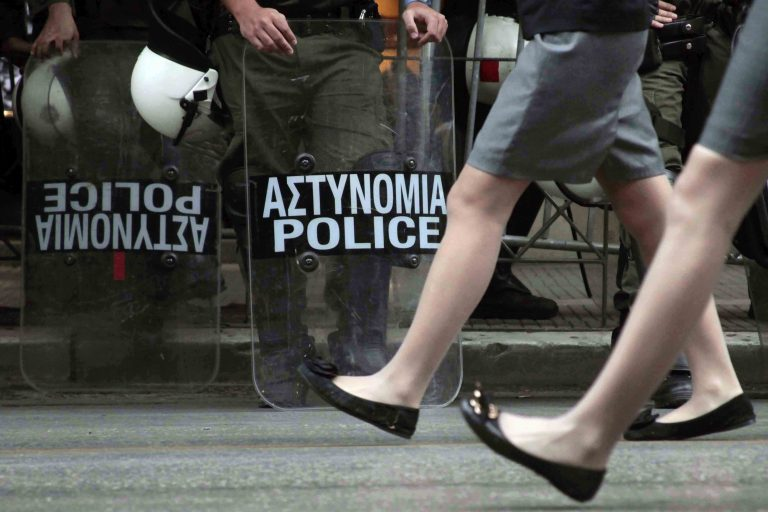 Πάτρα: Παρέλαση με συγκεντρώσεις, πορείες και… διμοιρίες των ΜΑΤ   Newsit.gr
