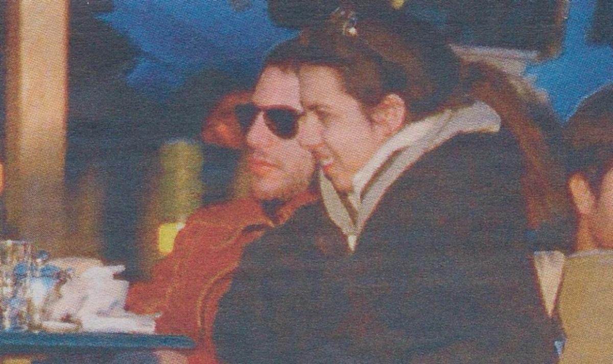 Βόλτα στην Βουλιαγμένη για τον Π. Κασιδόκωστα και την αγαπημένη του! Δες φωτογραφίες   Newsit.gr