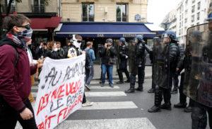 """Γαλλικές εκλογές: Στους δρόμους οι μαθητές – """"Ούτε Μακρόν, ούτε Λε Πεν"""""""