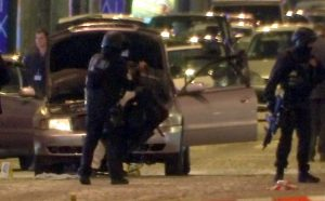 Γαλλία – Εκλογές: Ανακατεύει την τράπουλα η τρομοκρατική επίθεση