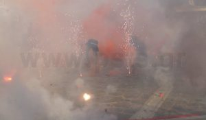 Εκρηκτικό Πάσχα στη Νάουσα της Πάρου [vid]