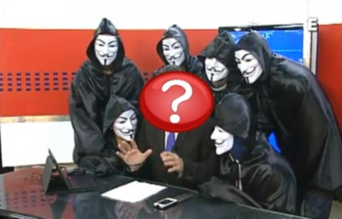 Έλληνας παρουσιαστής ειδήσεων σοκάρεται από την έφοδο των Anonymous στο πλατό | Newsit.gr
