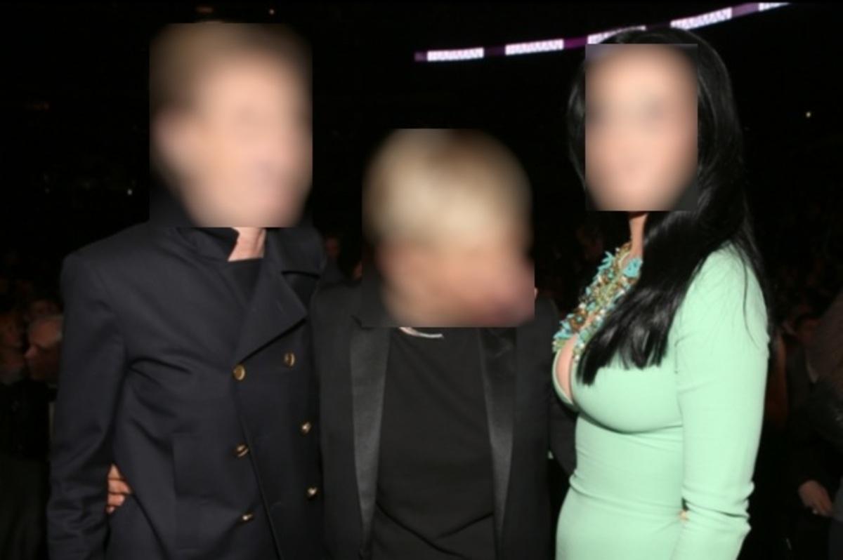 Πασίγνωστη παρουσιάστρια κάρφωσε το βλέμμα της στο στήθος τραγουδίστριας!   Newsit.gr