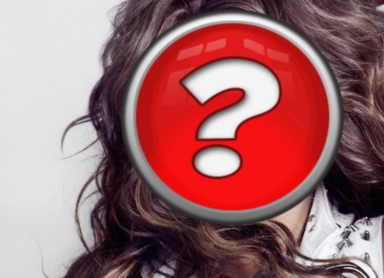 Ελληνίδα παρουσιάστρια παραδέχεται ότι την φλερτάρουν γυναίκες   Newsit.gr