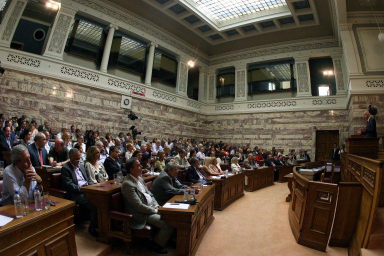 Οργισμένοι, λένε, είναι βουλευτές του ΠΑΣΟΚ – Θα καταψηφίσουν; | Newsit.gr