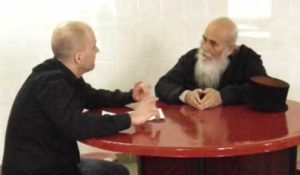 Κώστας Πάσσαρης: Θέλω να γίνω μοναχός στο Άγιο Όρος – Έχω αλλάξει [vid]