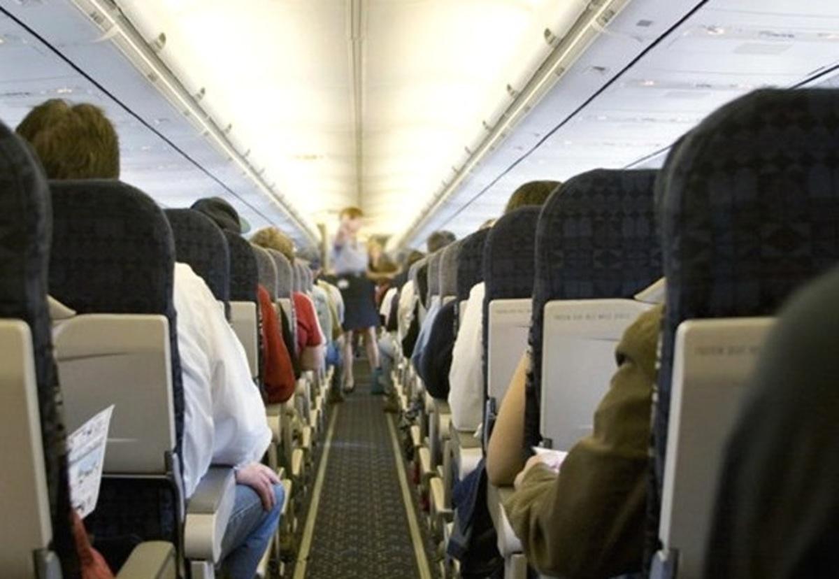 Πλήρωμα ζήτησε δανεικά απο επιβάτες για να ανεφοδιάσει το αεροπλάνο! | Newsit.gr