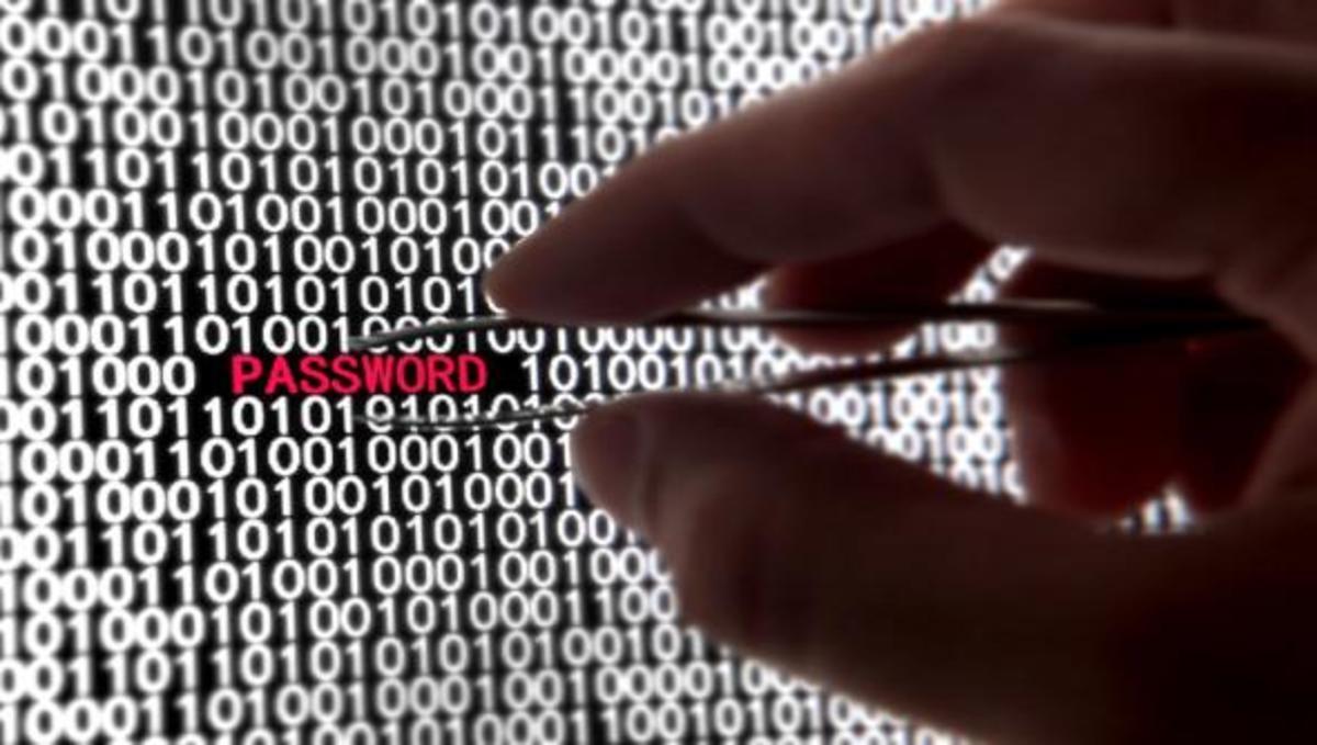 Επίθεση χάκερ στην εφαρμογή TweetGif | Newsit.gr