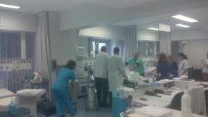 Μετά από 8 χρόνια μπήκαν οι πρώτοι ασθενείς στο ανακαινισμένο κτίριο του νοσοκομείου «Άγιος Ανδρέας»