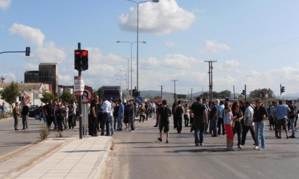 Έκλεισαν πάλι το δρόμο οι κάτοικοι της Πάτρας – Δίνουν νέο ραντεβού το πρωί της Κυριακής – ΒΙΝΤΕΟ | Newsit.gr