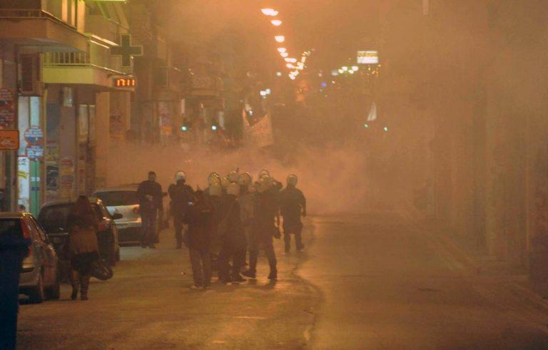 Πάτρα: 19χρονος κινδυνεύει να χάσει το μάτι του από δακρυγόνo! | Newsit.gr