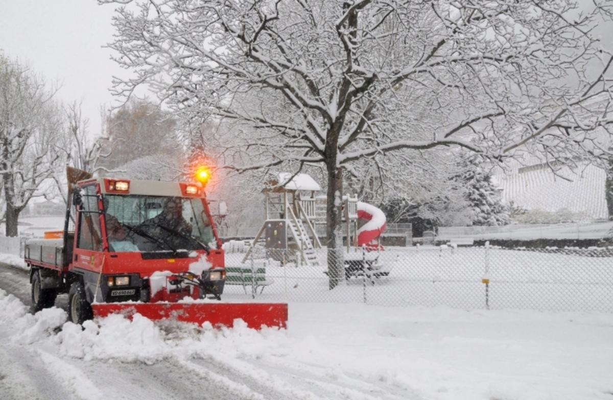 Αχαΐα: Έντονη χιονόπτωση και κατολισθήσεις – Κλειστός ο δρόμος Ζαρούχλας – Ακράτας | Newsit.gr