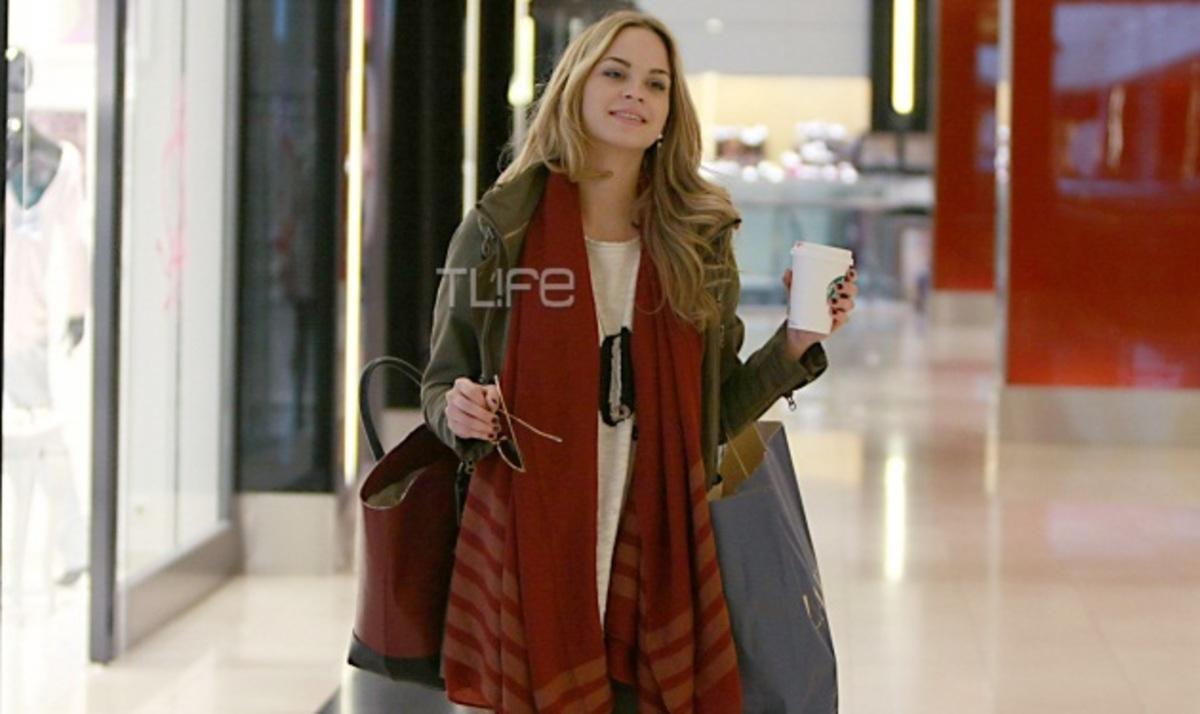 Πατρίτσια Μίλικ Περιστέρη: Μοναχική βόλτα στα μαγαζιά! Φωτογραφίες | Newsit.gr