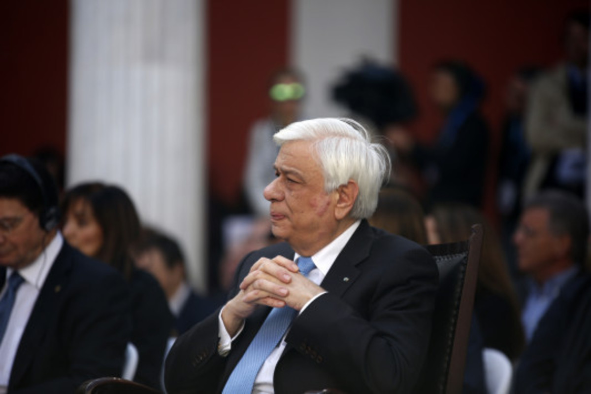 Παυλόπουλος: «Εμείς οι Έλληνες τα δίνουμε όλα» | Newsit.gr