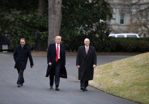 Μάικ Πενς: Ο Τραμπ θα επικρατήσει στη μάχη για το Ανώτατο Δικαστήριο