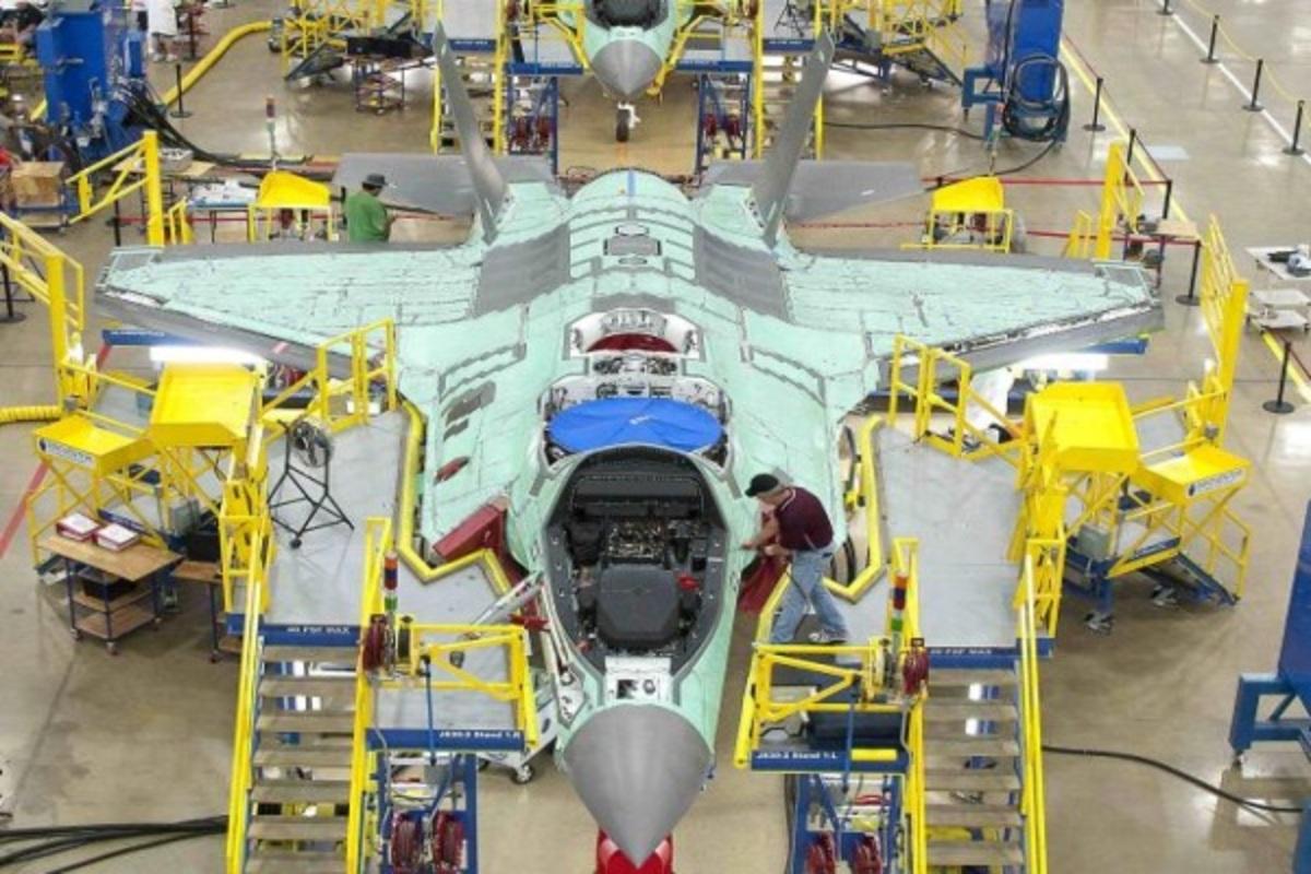 Το Πεντάγωνο «επαναφέρει» τα F 35 | Newsit.gr