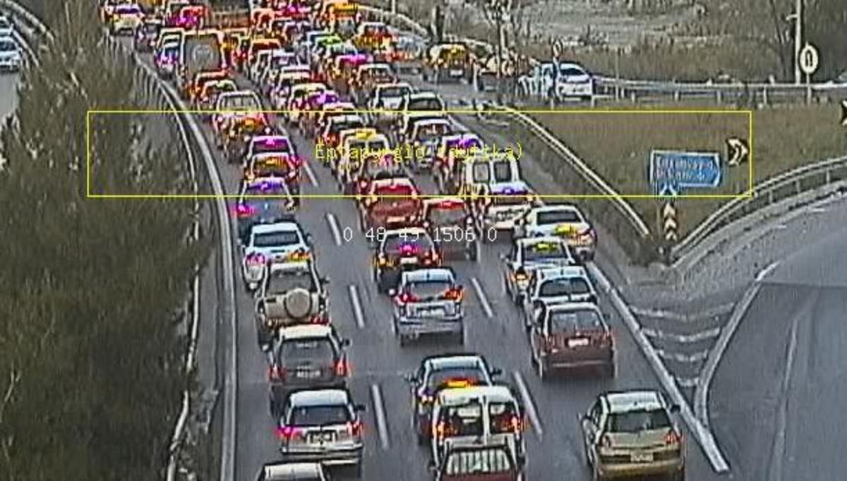 Θεσσαλονίκη: Τροχαία ατυχήματα λόγω παγετού – Αυτοκίνητα έπεσαν στις μπάρες! | Newsit.gr