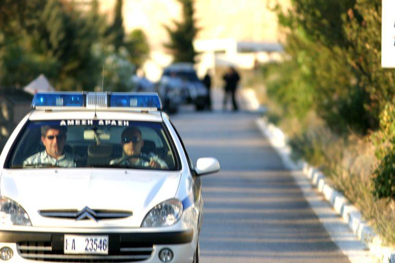 Έκαναν ληστεία κι έφυγαν με τα πόδια στο κέντρο της Πάτρας! | Newsit.gr