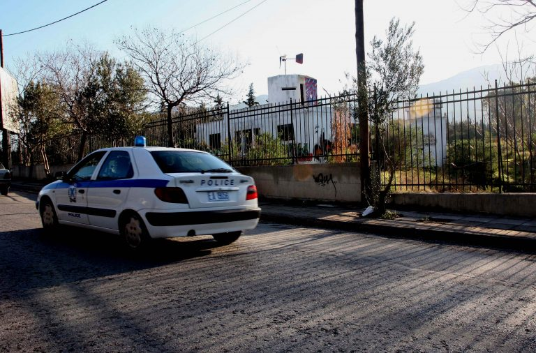 Mπήκαν στο σπίτι με το «έτσι θέλω» και δεν έφευγαν με τίποτα! | Newsit.gr