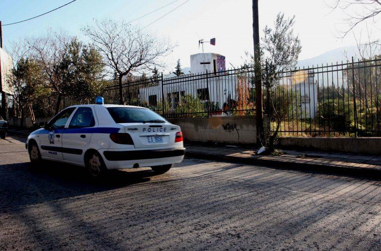 Mέθυσε και έσπασε ξένο αυτοκίνητο! | Newsit.gr