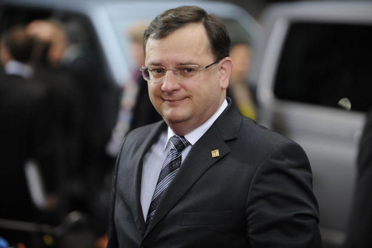Τσεχία: Έλαβε ψήφο εμπιστοσύνης η κυβέρνηση για να προχωρήσει στο πρόγραμμα λιτότητας   Newsit.gr