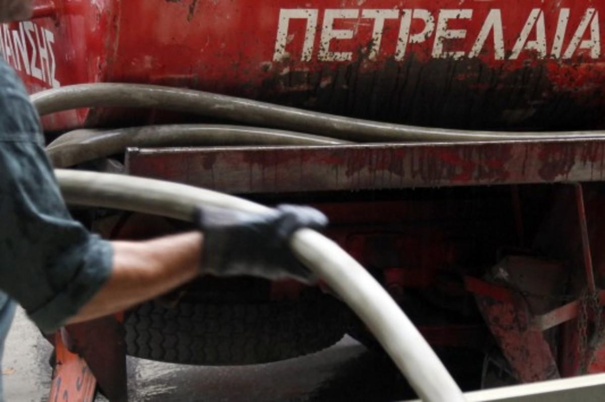 Στη Βουλή η τροπολογία για το πετρέλαιο θέρμανσης – Θα ξεκινήσει από το 1,40 ευρώ/λίτρο | Newsit.gr