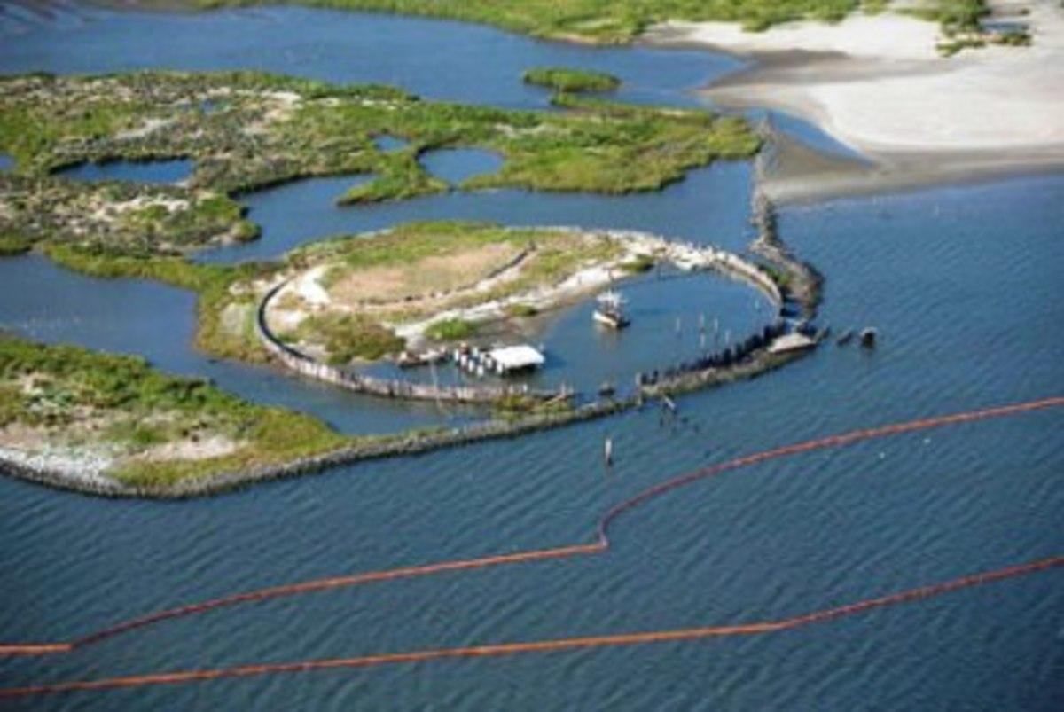 ΗΠΑ: Ακόμα κι αν σταμάταγε η διαρροή πετρελαίου,  η μόλυνση του περιβάλλοντος είναι τεράστια… | Newsit.gr
