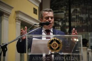 """Ο Πετρόπουλος ξαναχτύπησε: """"Μου ζητάνε να πληρώσουν κι' άλλες εισφορές"""""""