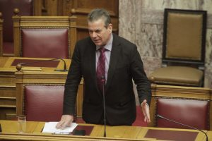 Ο Πετρόπουλος έπαθε «Παπανδρέου» – «Με σταματούν στο δρόμο επαγγελματίες και μου λένε σωθήκαμε!»