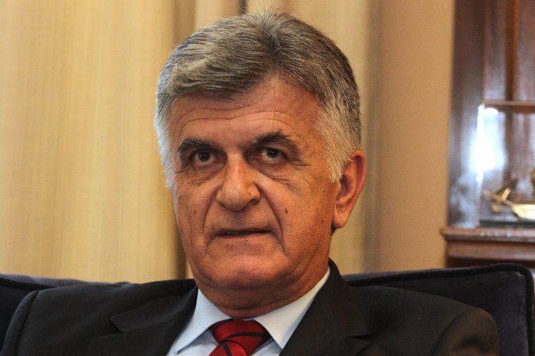 Αποσύρεται από τα ψηφοδέλτια του ΠΑΣΟΚ ο Πετσάλνικος | Newsit.gr
