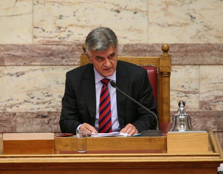 Προκλητικός κυνισμός Πετσάλνικου: «Αλλοι παίρνουν πιο πολλά» | Newsit.gr