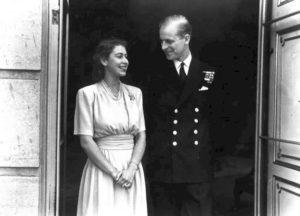 Πρίγκιπας Φίλιππος: Το απίθανο περιστατικό με τη μητέρα της Ελισάβετ