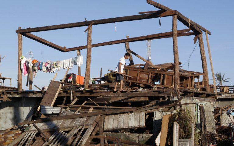 Φιλιππίνες: 700 οι νεκροί από τον τυφώνα Μπόπα | Newsit.gr