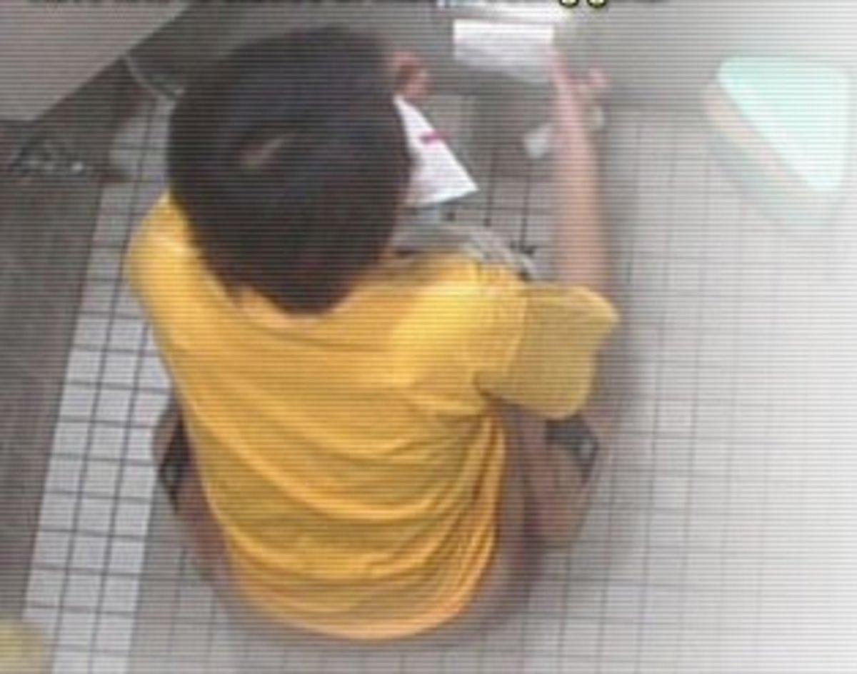 Έβαλε κρυφή κάμερα στην τουαλέτα και έβλεπε την υπάλληλο του – Τον έδειραν οι συγγενείς της! | Newsit.gr