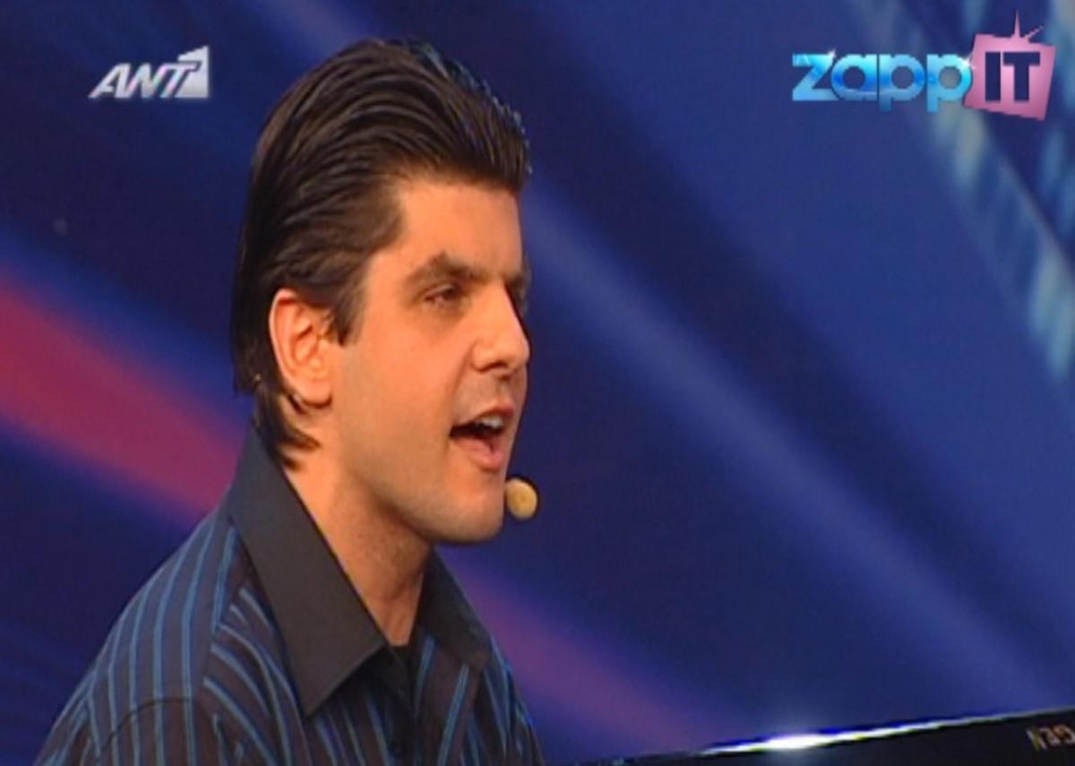 Τραγούδησε με τα μάτια της ψυχής του και συγκίνησε τους πάντες! | Newsit.gr