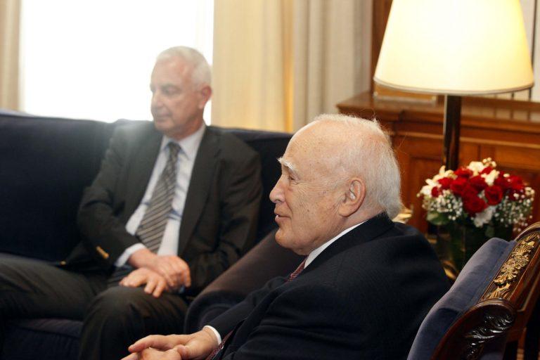 Σύσκεψη με Παπαδήμο ενόψει Βρυξελλών – Βλέπει και Παπούλια ο Πικραμμένος   Newsit.gr