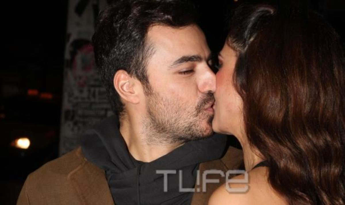 Κ. Παπουτσάκη: Το γλυκό φιλί του συντρόφου της Παναγιώτη! Φωτογραφίες | Newsit.gr