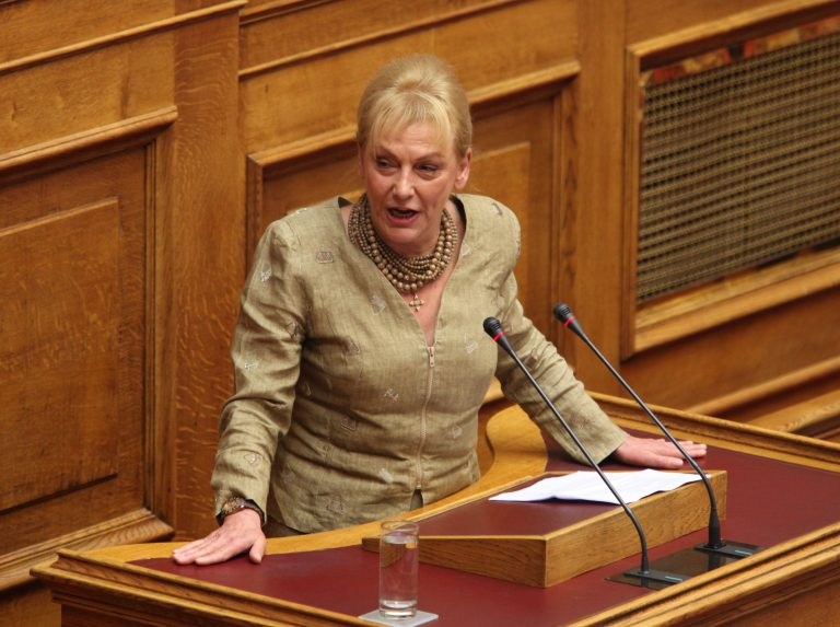 «Να απολυθούν άμεσα οι επίορκοι δημόσιοι υπάλληλοι» | Newsit.gr