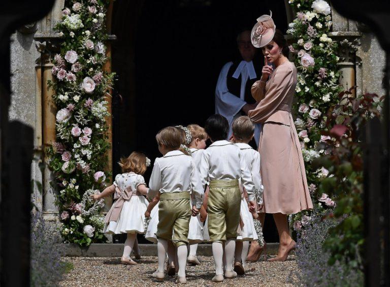 Γάμος Pippa Middleton: Αυστηρή μαμά η Κέιτ «μαλώνει» τα παιδιά! [pics] | Newsit.gr