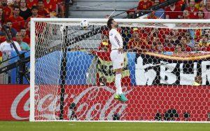 Euro 2016: Σάλος με το μεσαίο δάχτυλο του Πικέ! Κατηγορείται για ασέβεια (VIDEO)