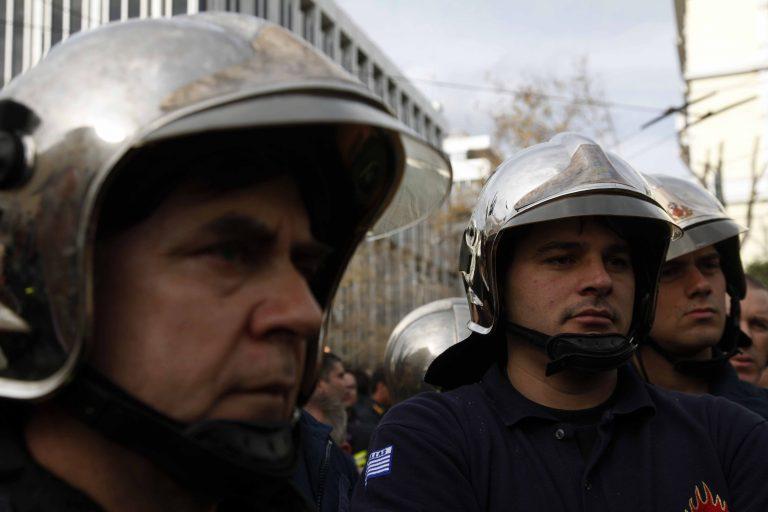 Θεσσαλονίκη: Πορεία διαμαρτυρίας από πυροσβέστες | Newsit.gr