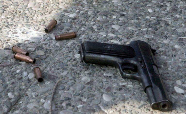 Τους απείλησε, τους έβρισε και τράβηξε όπλο… | Newsit.gr
