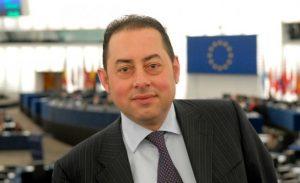 """Ευρωβουλευτές στο πλευρό της Ελλάδας: """"Απαράδεκτες οι απαιτήσεις του ΔΝΤ"""""""