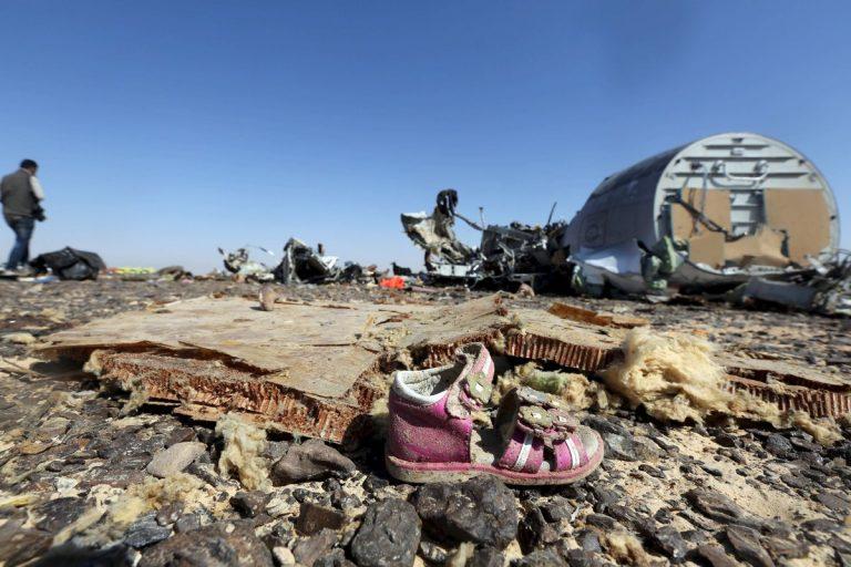 Κοιλάδα θανάτου το Σινά: Συγκλονιστικές εικόνες από τα συντρίμμια του Airbus που διαλύθηκε στον αέρα | Newsit.gr