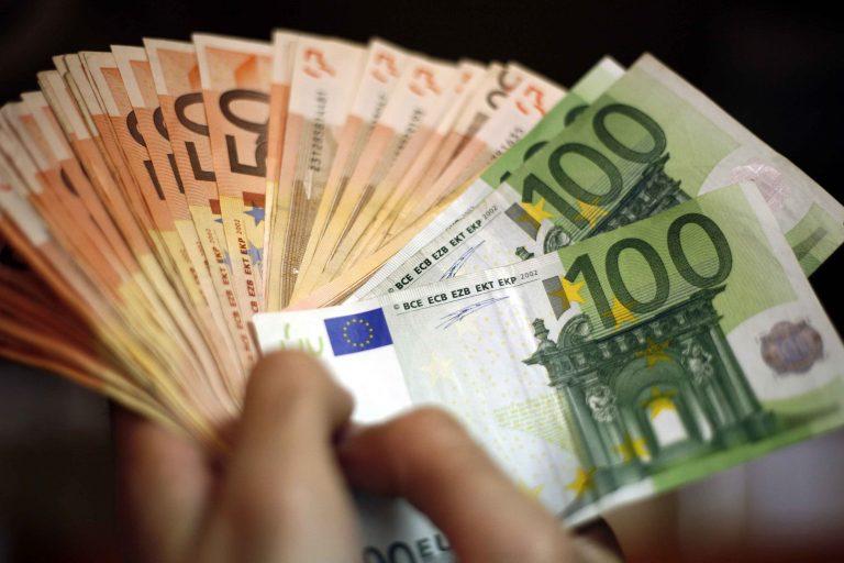 Ξάνθη: Του έσκασαν το λάστιχο και βούτηξαν 8.000€!   Newsit.gr