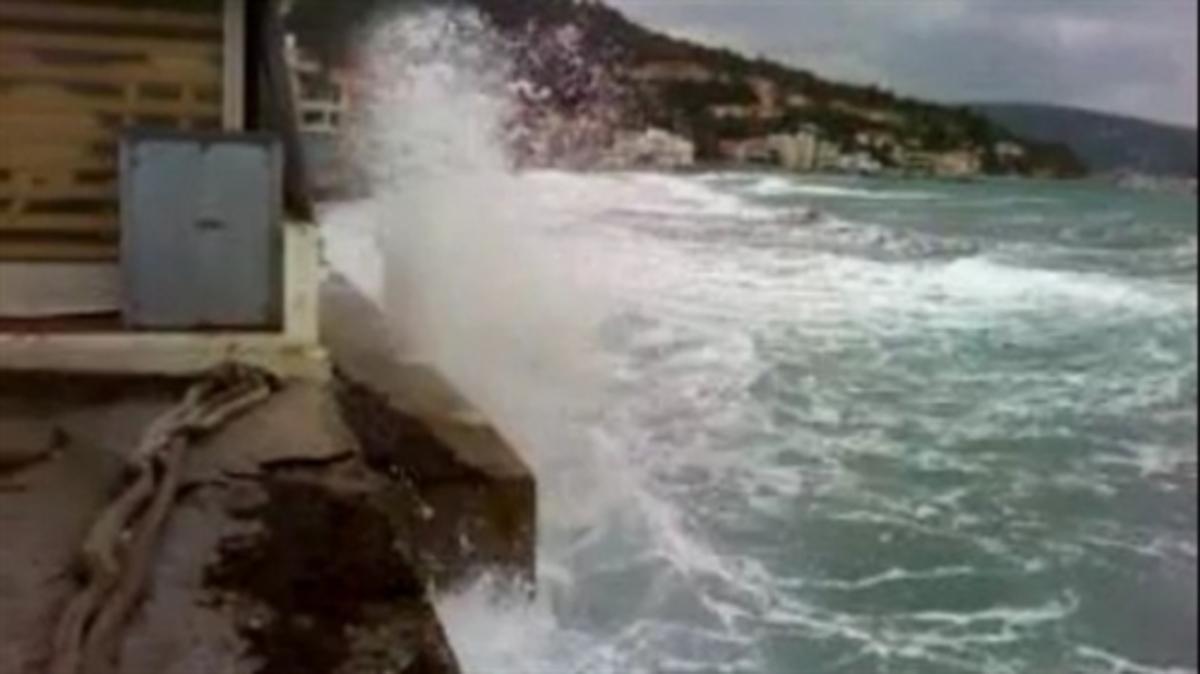 Εύβοια: Στο κόκκινο η αγωνία για επιχειρηματία που χάθηκε στα κύματα! | Newsit.gr