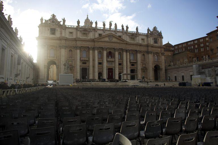 Την Τρίτη η ενθρόνιση του Πάπα Φραγκίσκου – Πυρετώδεις προετοιμασίες στην πλατεία του Αγ. Πέτρου (ΦΩΤΟ) | Newsit.gr