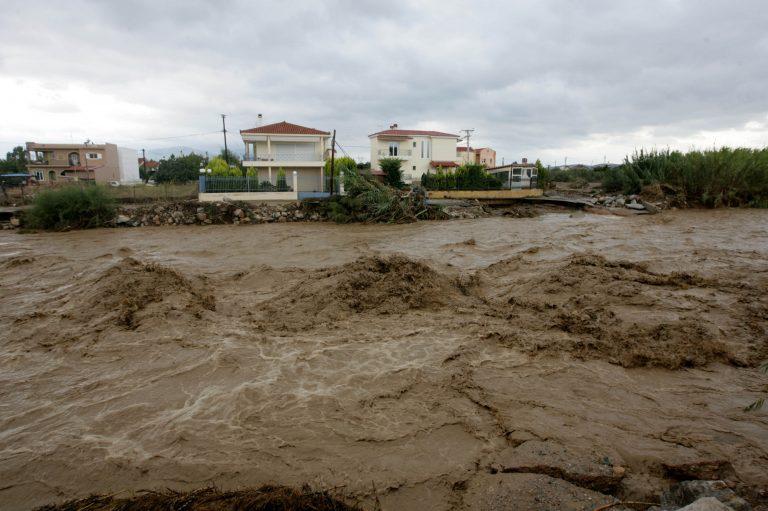 Βυθίστηκε η Αίγινα από τη θεομηνία – Πού θα βρέξει τις επόμενες ώρες | Newsit.gr