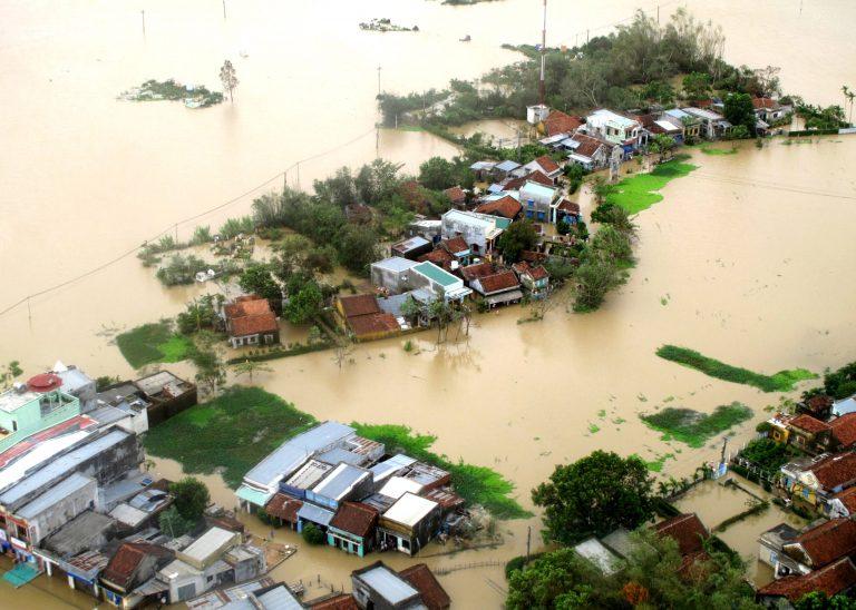 Σαρωτικές πλημμύρες στην Αλβανία | Newsit.gr